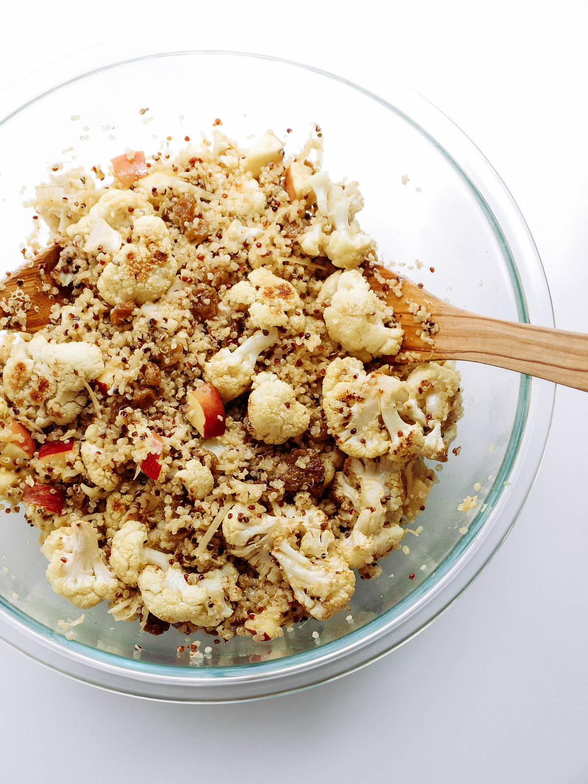 CURRIED ROASTED CAULIFLOWER & QUINOA SALAD