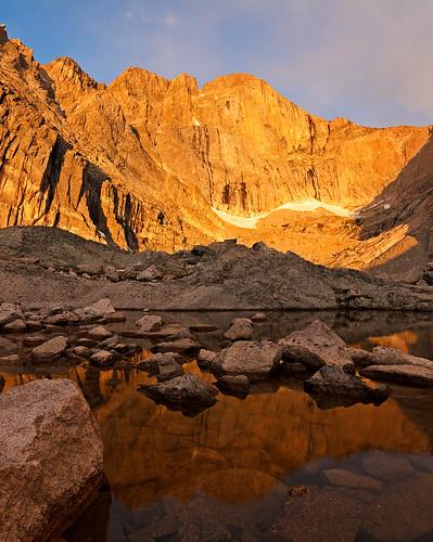 morning lake snow mountains reflection water sunrise nationalpark colorado places longspeak 14er rockymountainnationalpark chasmlake