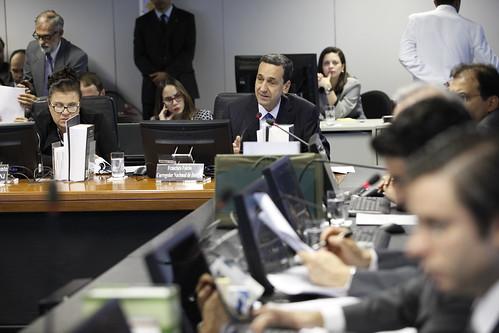 Ministro Falcão é homenageado na 193ª sessão do CNJ