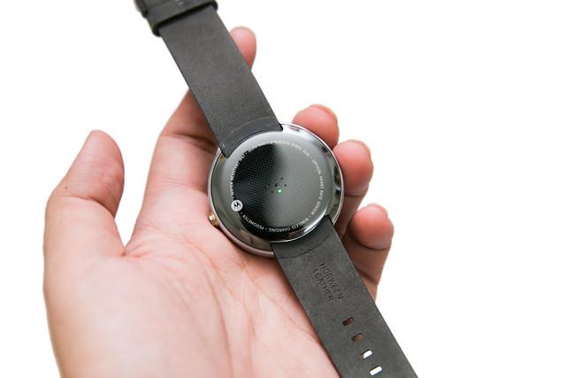 圓形錶盤最美智慧錶 – Moto 360 開箱美圖介紹![銀色款] @3C 達人廖阿輝
