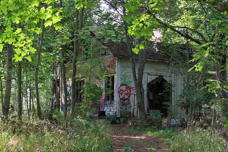 Kruunuvuori abandoned houses
