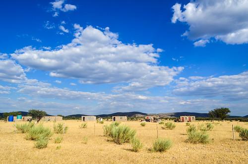 Maisons dans la savane namibienne