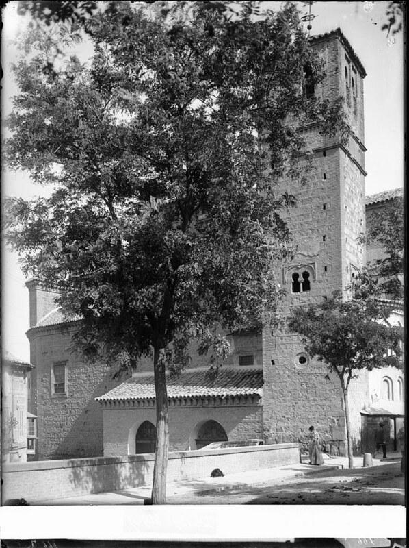 Santiago del Arrabal a comienzos del siglo XX. Fotografía de J. Lacoste © MECD, Fototeca del IPCE, signatura VN-22643_P