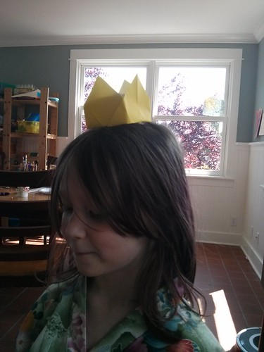Origami crown