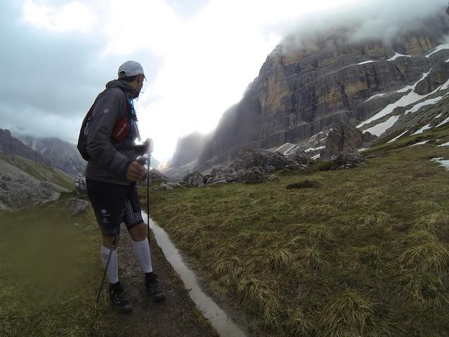 Προς τον αυχένα Col dei Bos στο 91ο χλμ ο αγώνας είχε πάρει μια άγρια ομορφιά