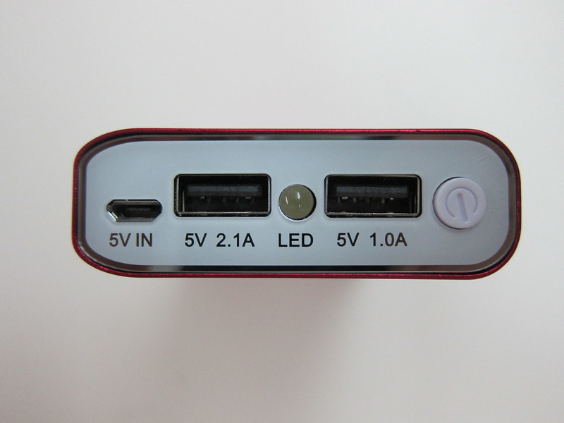 Mactrix Dual 9000 Portable Battery - Ports