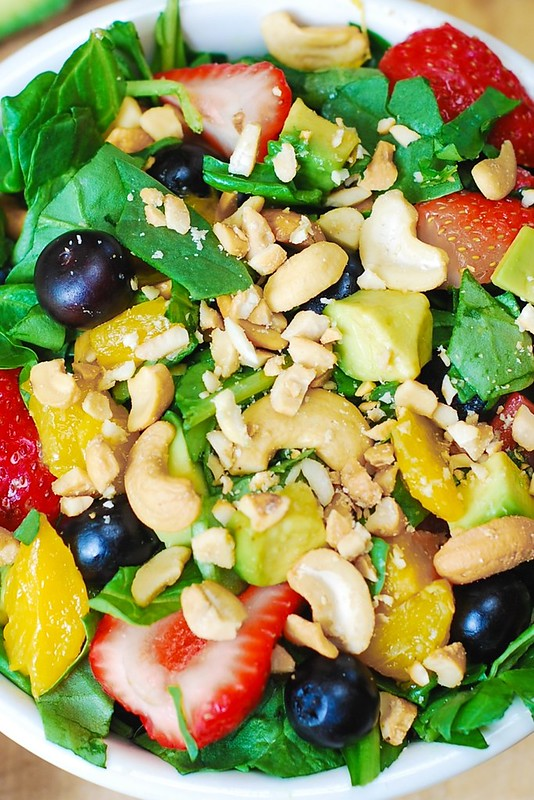 Strawberry spinach salad, cashew recipes, avocado salad recipes, mango salad recipes, summer salad, vegetarian recipes, salads with nuts, salads with berries