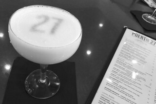 Cocktails in the City - Puerto 27 pisco sour classico