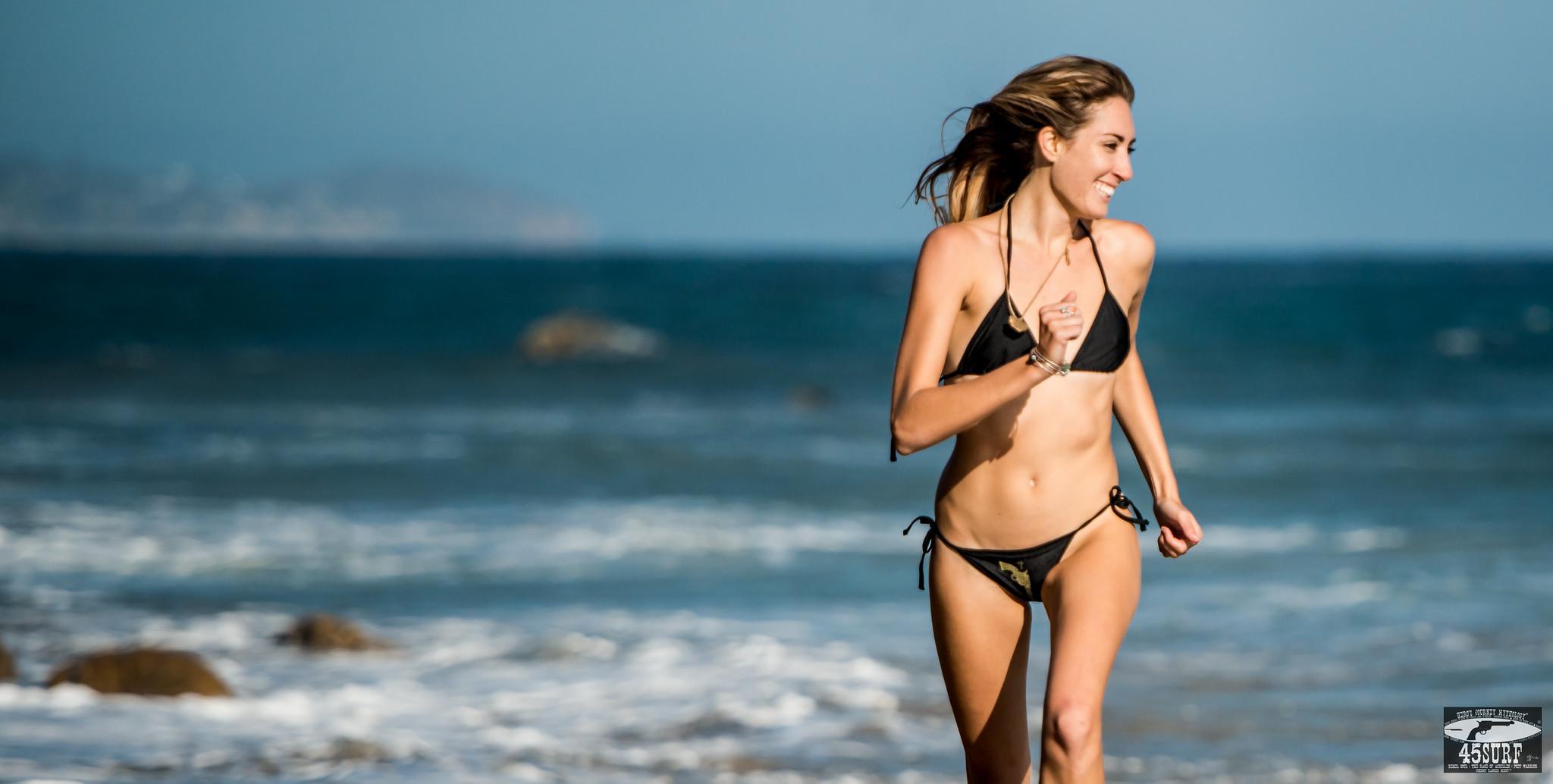 Nikon D800E Photos Pretty Blond Swimsuit Bikini Model Goddess! Gorgeous Green Eyes! Sharp Nikkor 70-200mm VR 2 F2.8 Lens!