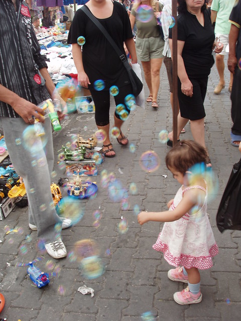 200909190165-blowing-bubbles