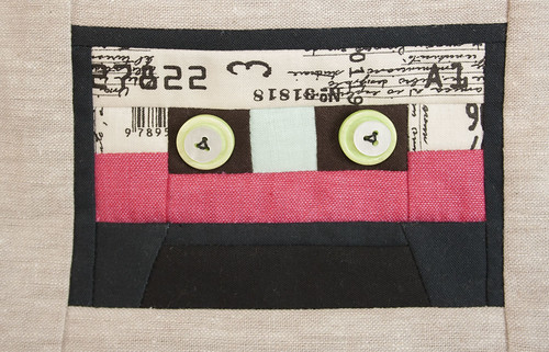 Cassette zippy pouch-detail