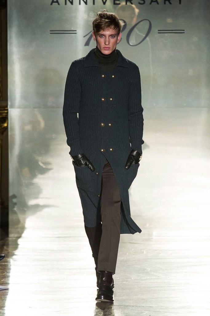 Jeroen Smits3070_FW14 Milan Daks(fashionising.com)