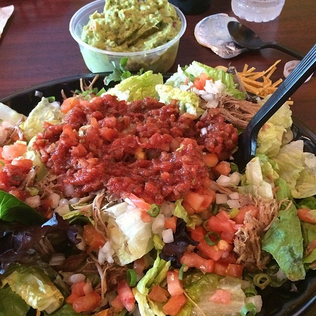 Day 14, #Whole30 - lunch (salad with pork, salsa, & guacamole)