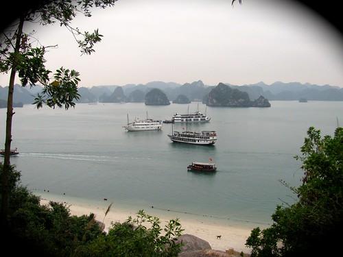 Barcos alrededor de Isla Tip Top