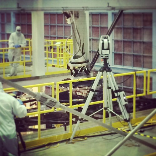 Installation of a Test Mirror on the Test Backplane