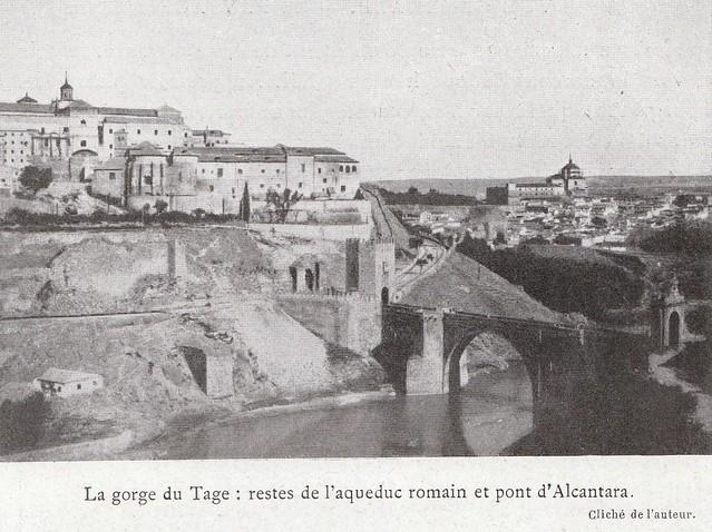 Puente de Alcántara a comienzos del siglo XX. Fotografía de Élie Lambert publicada en su libro Les Villes d´Art Célebres: Tolède (1925)