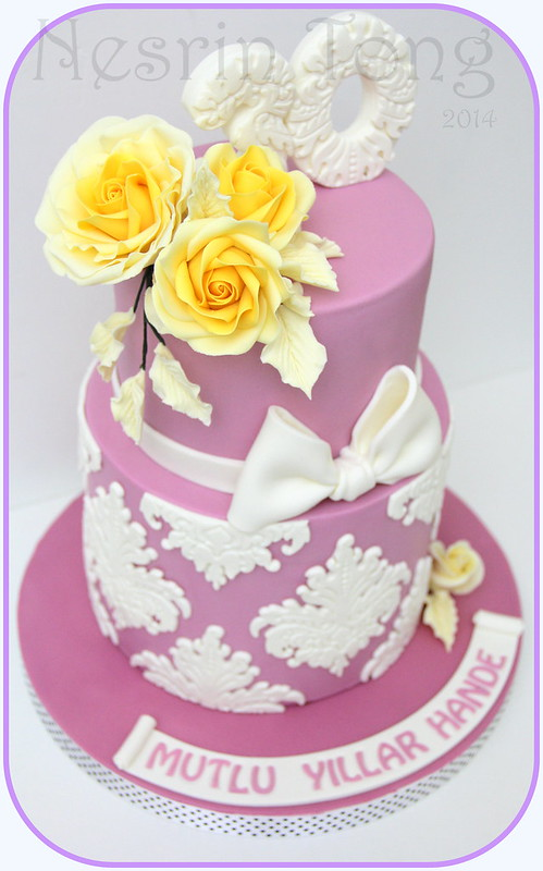 yellow roses engagament cake