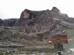 Wegweiser Hochbrunner Schneid am Eissee
