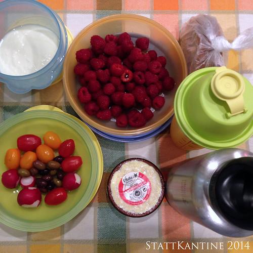 StattKantine 09.10.14 - Käse, Himbeeren, frischer Orangensaft