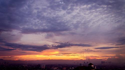city sunset sky panorama building skyline skyscraper sunrise indonesia landscape cityscape jakarta popular hdr 16x9 plazaindonesia indonesiatravel bestcapturesaoi rnddeportraits touristdestinationinindonesia thecloudlounge