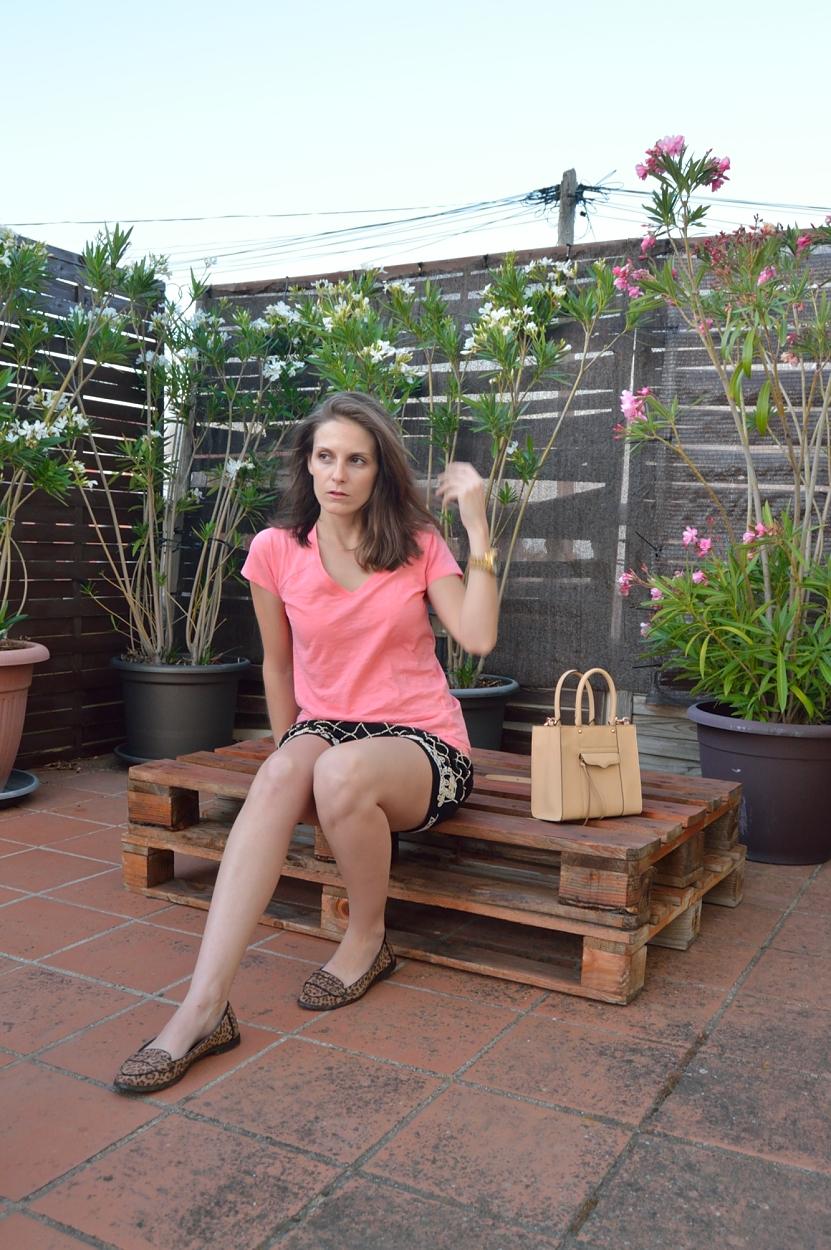 lara-vazquez-madlula-blog-coral-tee-spring-look