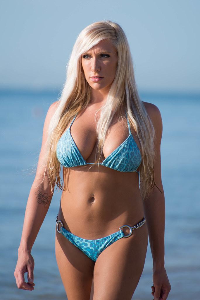 leia bikini #11