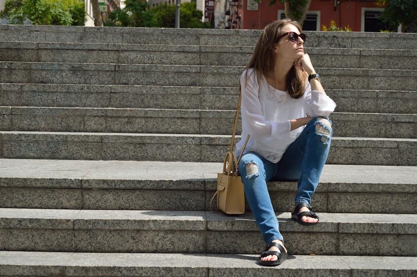 lara-vazquez-madlula-blog-fashion-jeans-shirt-white