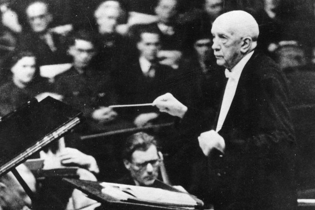Richard Strauss conducts at the Royal Albert Hall, 1947 © Philharmonia Orchestra