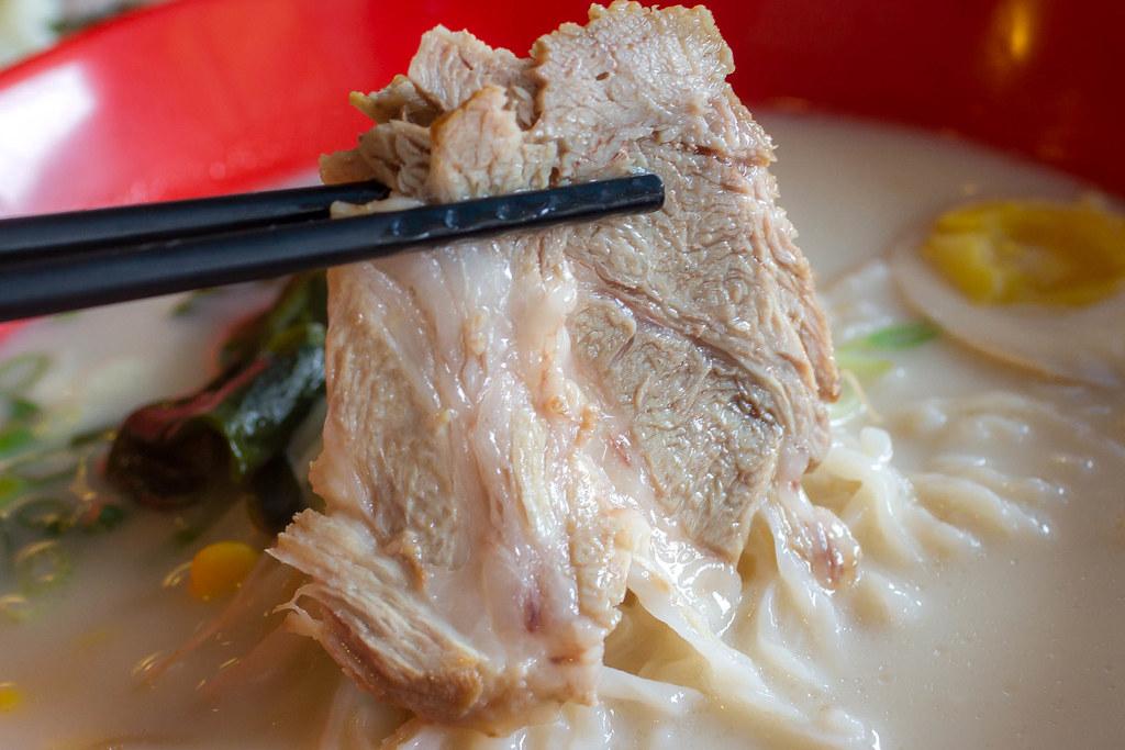 蒜味豚骨白湯拉麵