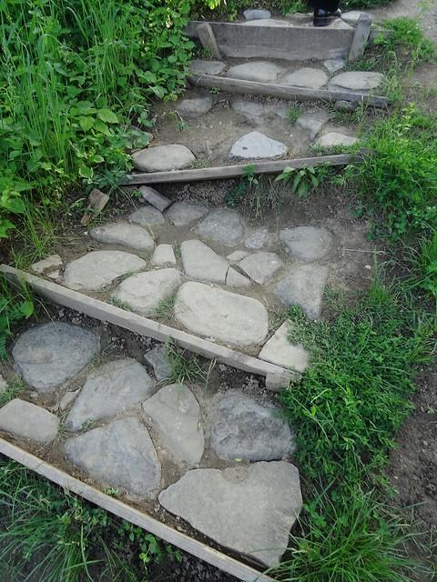 treptele de piatra si lemn