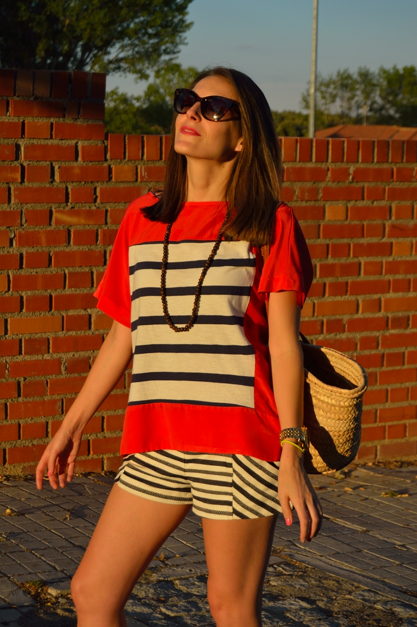 lara-vazquez-madlula-blog-style-fashion-stripes-red-blue