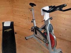 Fitnessgeräte im Mini-Fitnessstudio