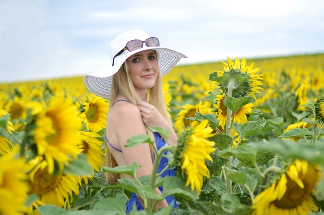 Outfit field with sunflowers (8)