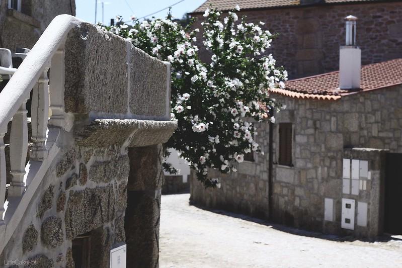 stone houses badamalos