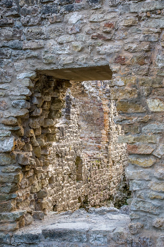Koknesės pilies griuvėsiai