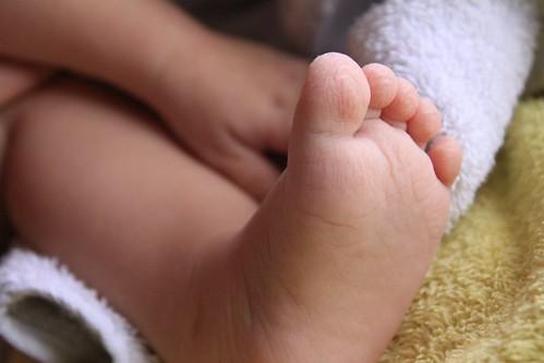 Wrincled feet after bath