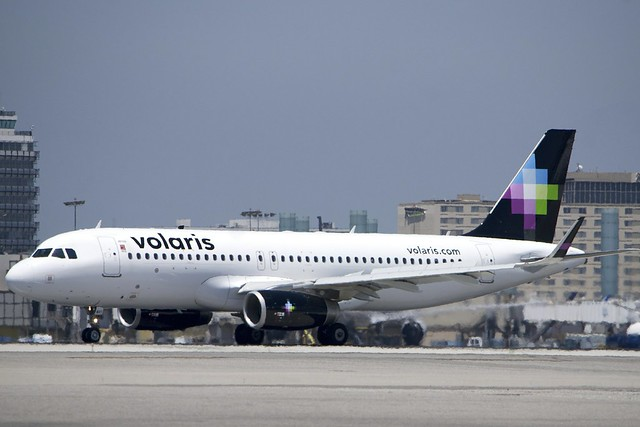 Airbus A320 Volaris, XA-VOY, rolling out at LAX vol_DSC_0757_a320