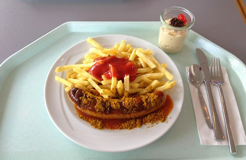 Currywurst mit Pommes Frites / Curried sausage with french fries