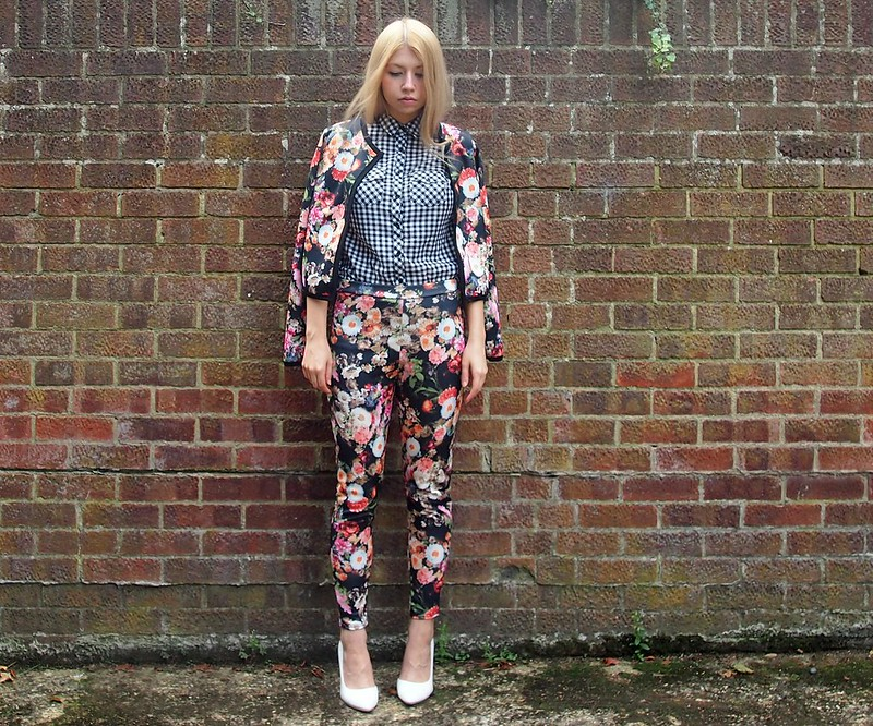 Evie Jacket & Trouser Co-Ord Set, Boohoo, Floral Suit, Gingham Shirt, New Look, Check, Print Clash, Monochrome, How to Wear, Styling Inspiration, Outfit Ideas, Sam Muses, UK Fashion Blog, London Style Blogger, AW14