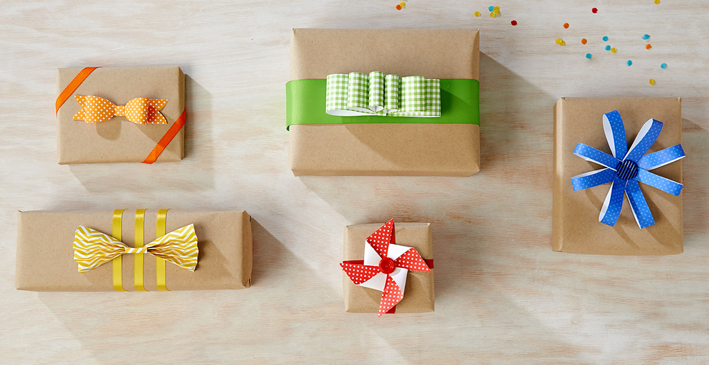 DIY Birthday Bows