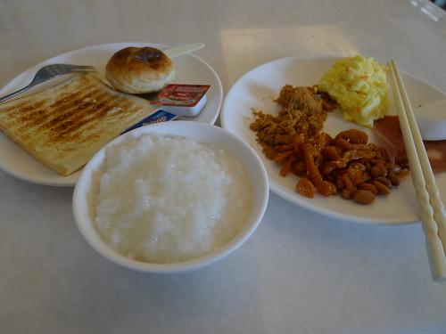 知本「統茂溫泉飯店」早餐