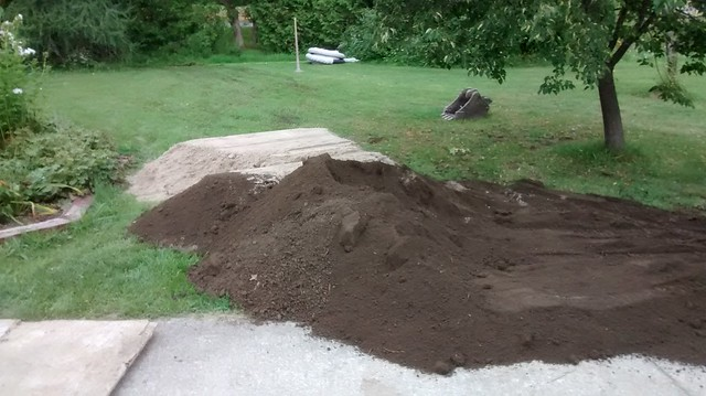 Pondscaping 1 - Sand and soil