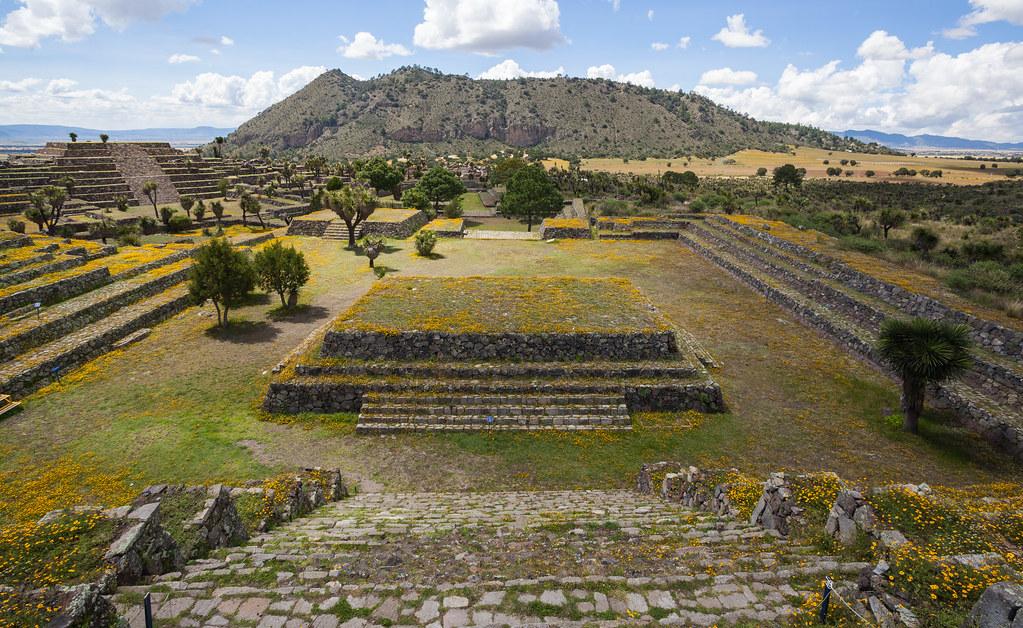 Zona_arqueológica_de_Cantona,_Puebla,_México,_2013-10-11,_DD_26