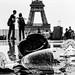 Après le Deluge (Tour Eiffel) by Photos-Change-The-World