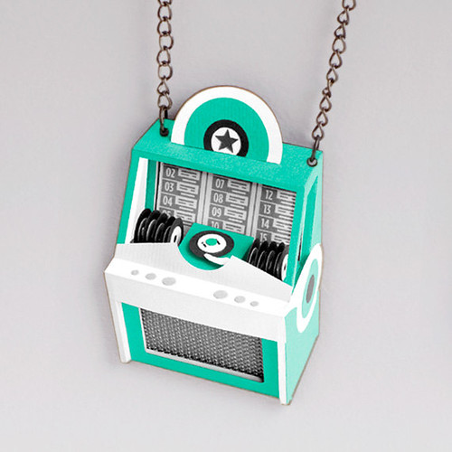 paper-model-jukebox-necklace
