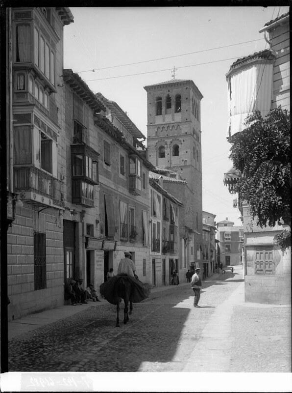 Calle de Santo Tomé a comienzos del siglo XX. Fotografía de J. Lacoste © MECD, Fototeca del IPCE, signatura VN-22655_P