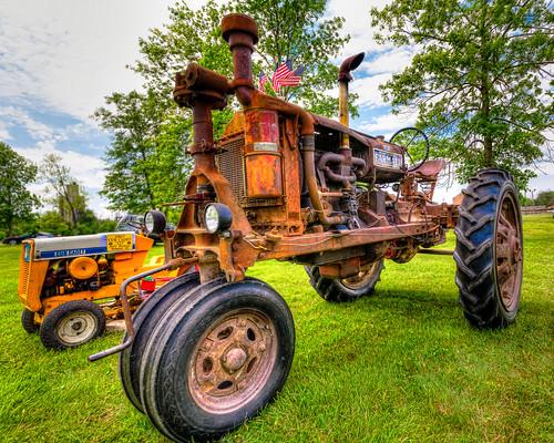 Farmall tractor & Cub Cadet HDR