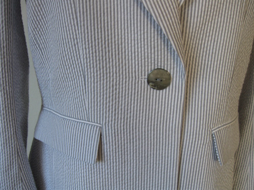 Seersucker jacket button