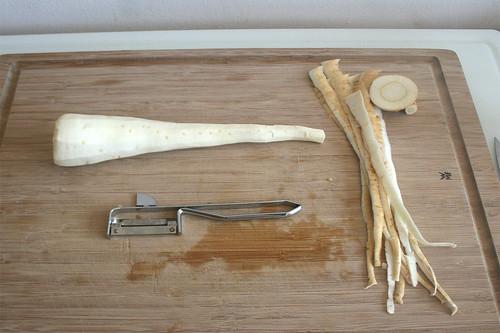 18 - Pastinake schälen / Peel parsnip