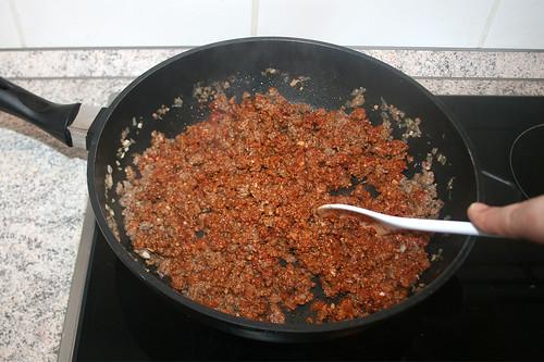 34 - Tomatenmark anrösten / Roast tomato puree